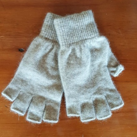 Fingerless Possum Fur & Merino Wool Gloves - Oatmeal