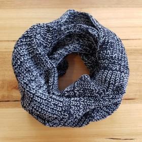 Pure Merino Wool Black & White Loop Scarf
