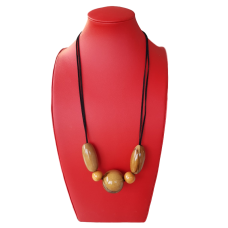 Striking Blackheart Sassafras Necklace